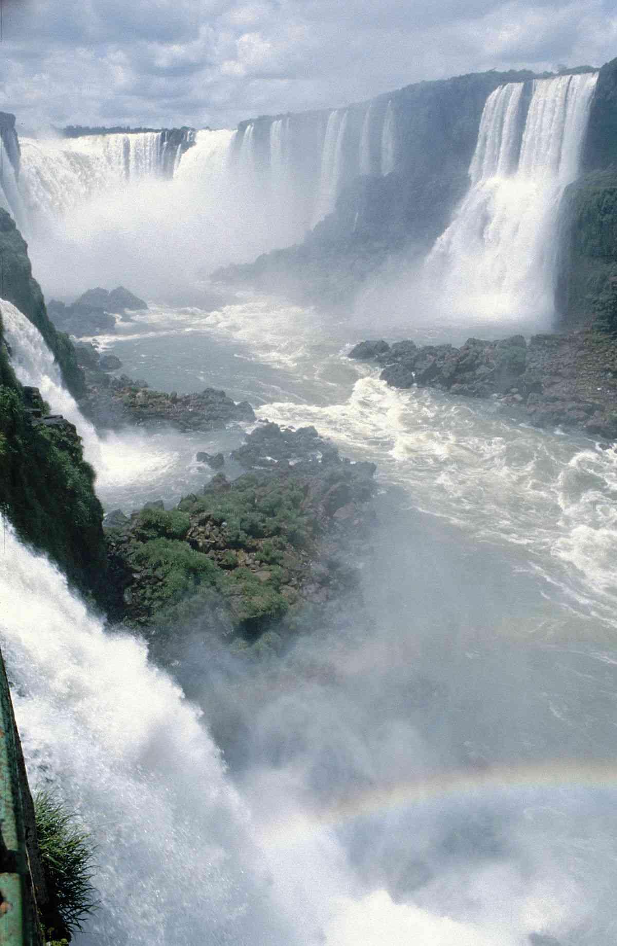 les chutes bresiliennes iguazu