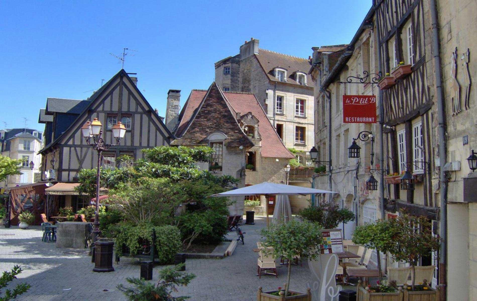 Caen » Vacances - Arts- Guides Voyages