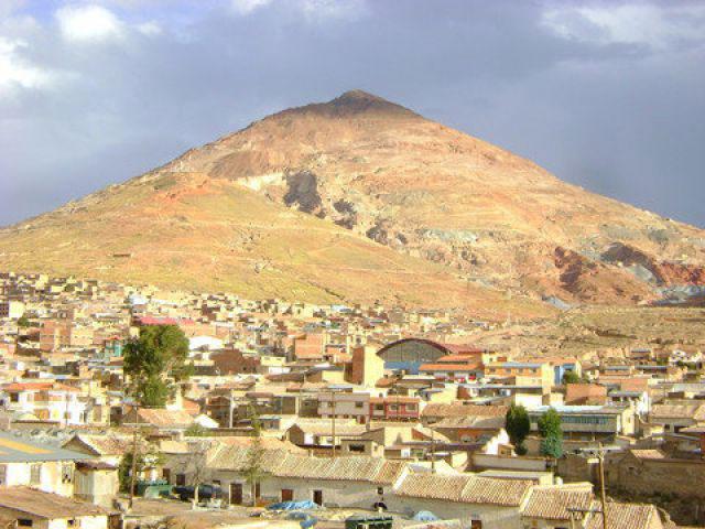 Mine d argent de potosi vacances arts guides voyages for Piscine de montceau les mines