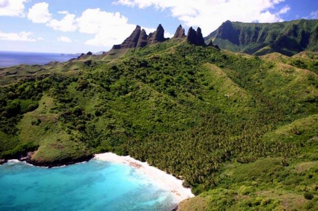 Côte de Nuku Hiva - îles Marquises