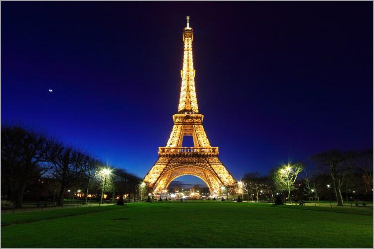 Tour-Eiffel la nuit
