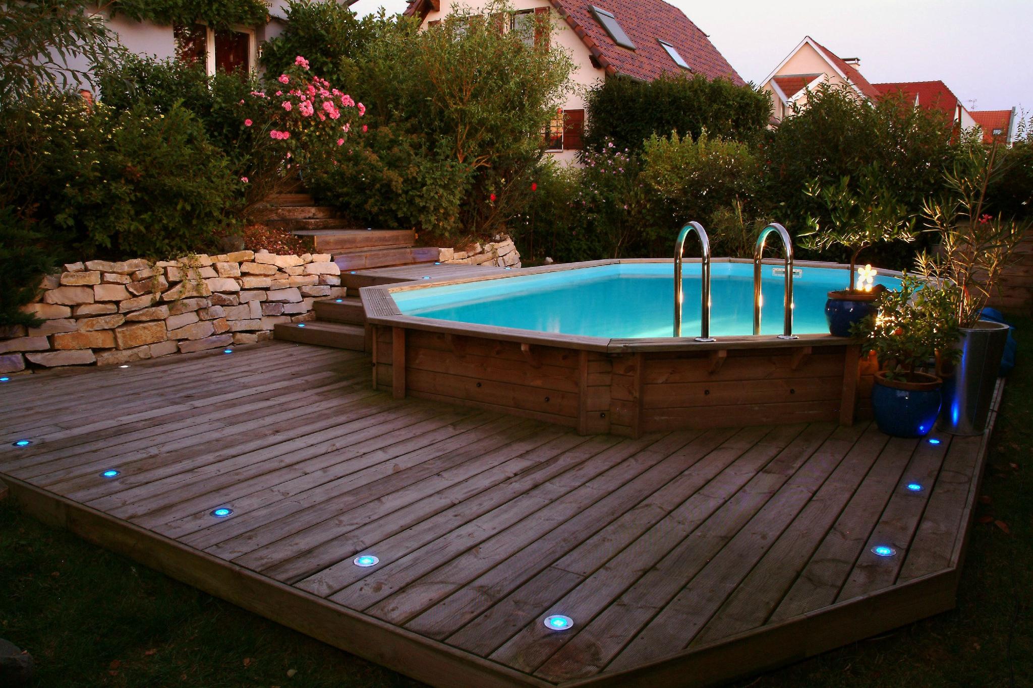 piscine hors sol ovale en bois véritable