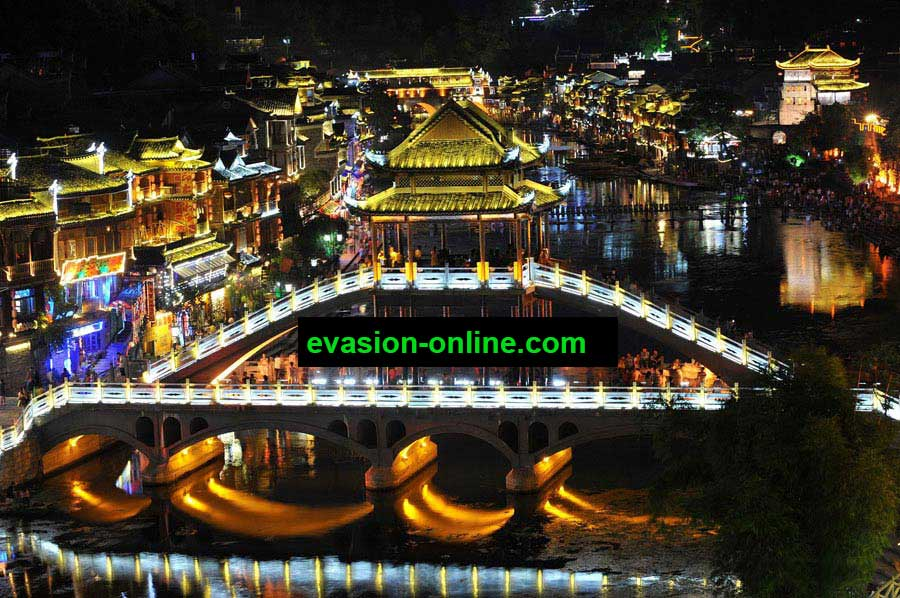Paysages nocturnes en chine de l'ancienne ville de Fenghuang