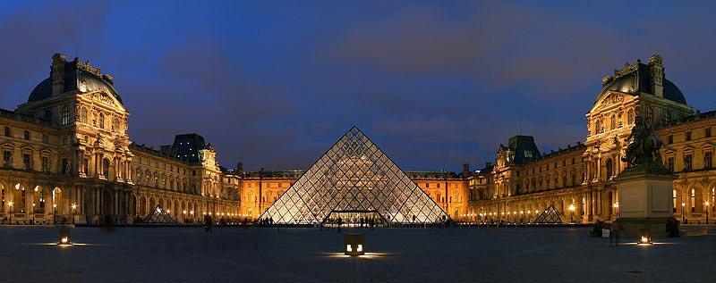 Musée du Louvre - Photo de nuit