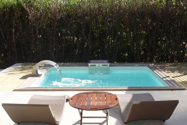Mini piscine pour petit jardin