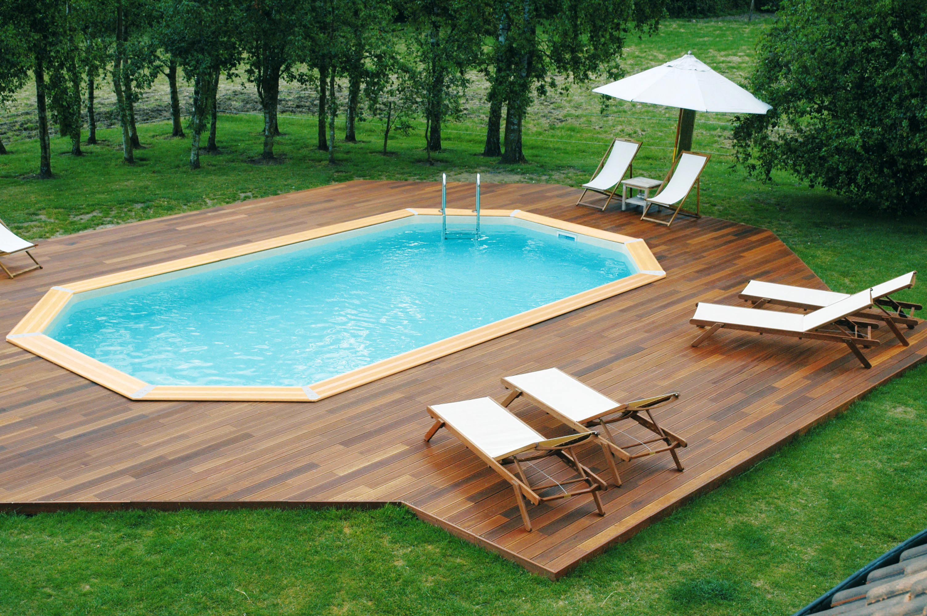 Luxe piscine enterr e pour petit jardin piscine for Piscine semi enterree 10m2