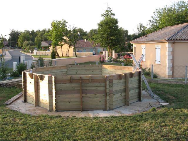 montage piscine octogonale bois