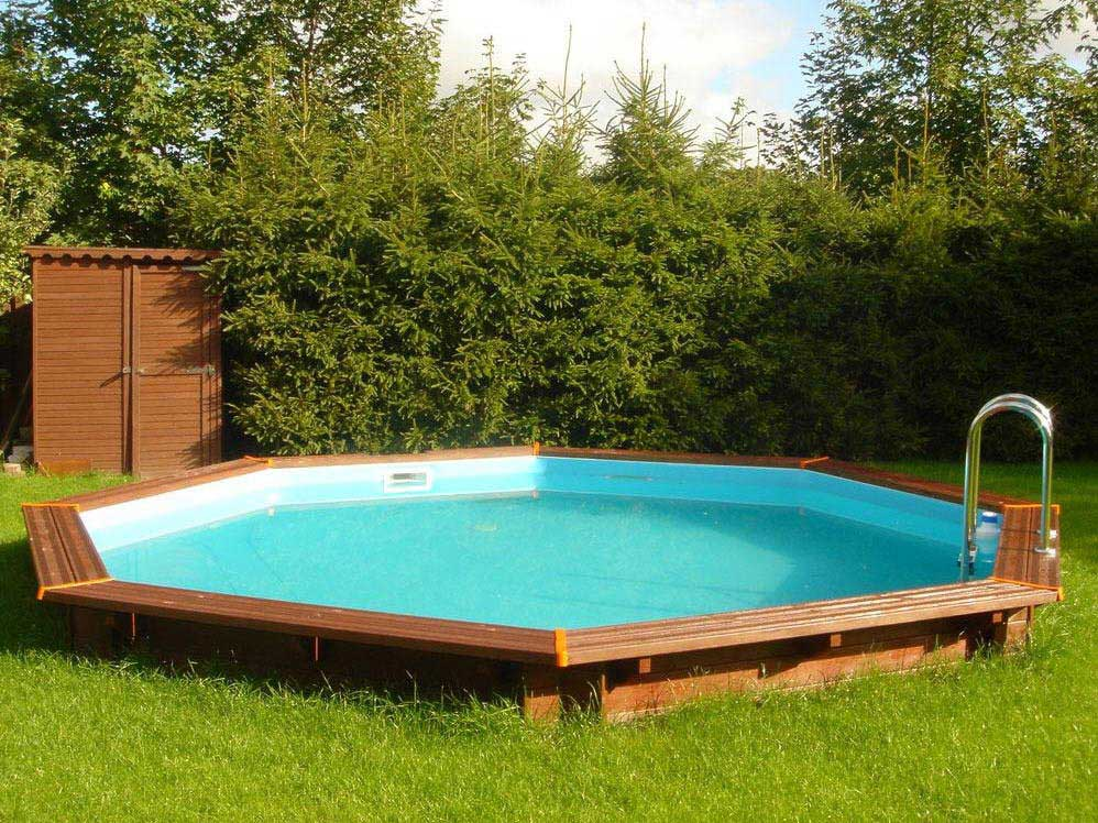 Piscine jardin vacances arts guides voyages for Piscine jardin rectangle