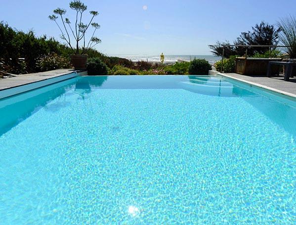 Image d'une piscine en France