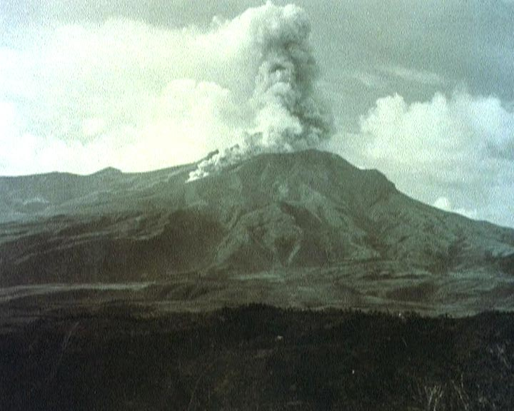 eruption-montagne-pelee-1902