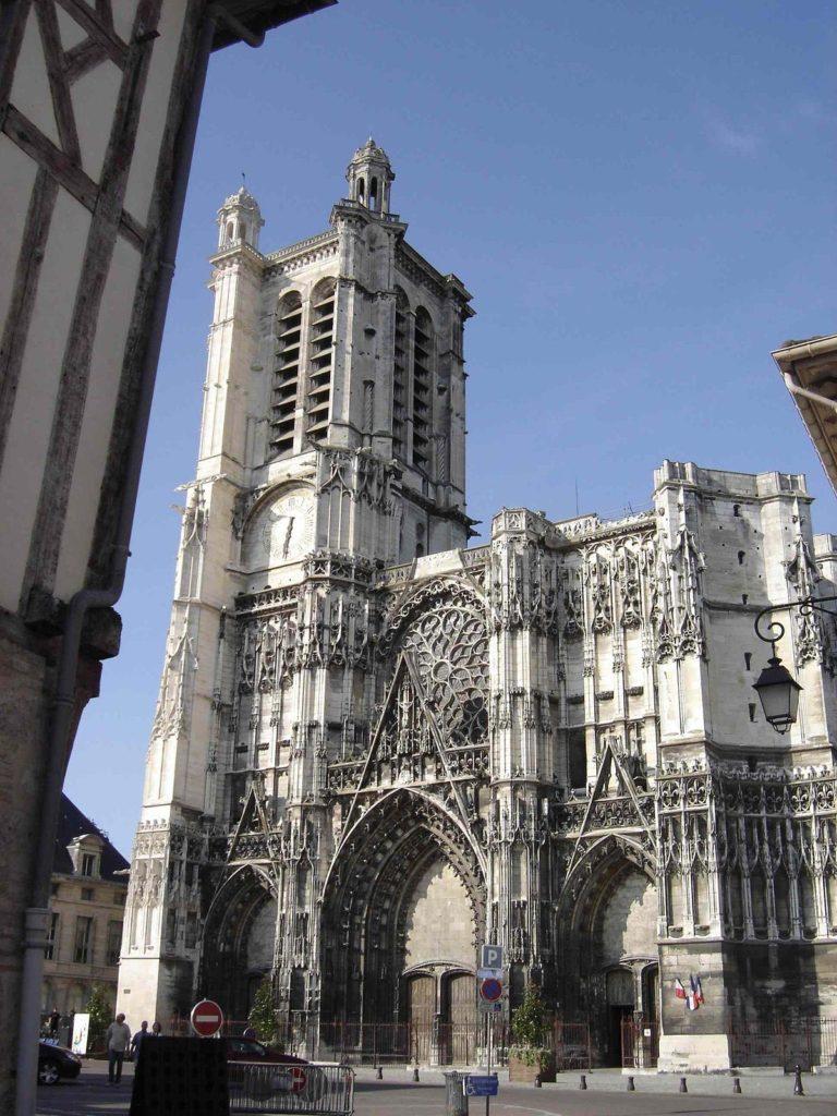 Wikipédia Cathédrale Saint-Pierre-et-Saint-Paul de Troyes