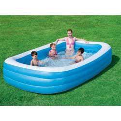 Grande piscine gonflable