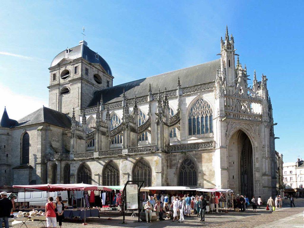 Basilique-Notre-Dame-Alencon