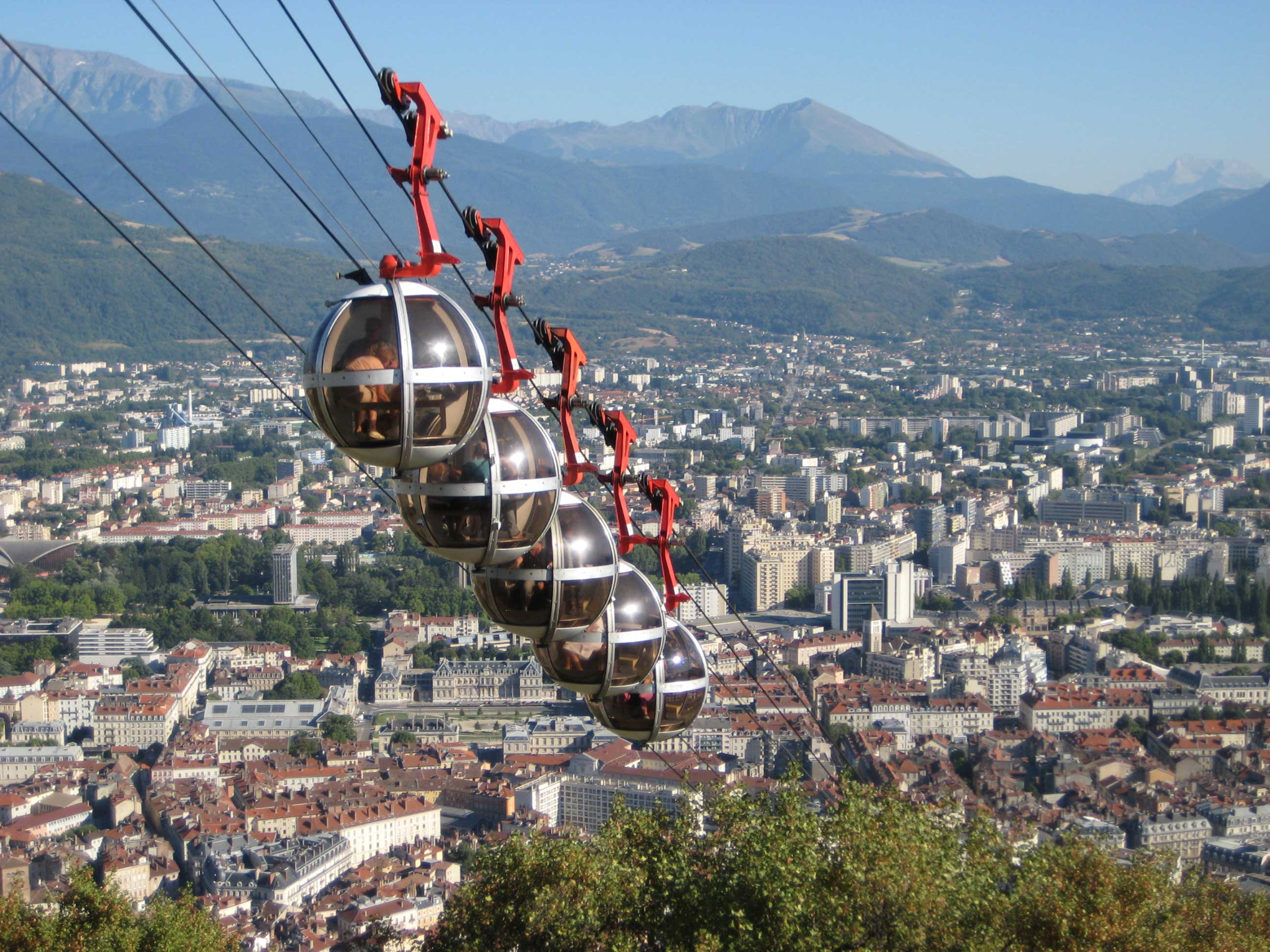 Grenoble vacances arts guides voyages for Piscine grenoble