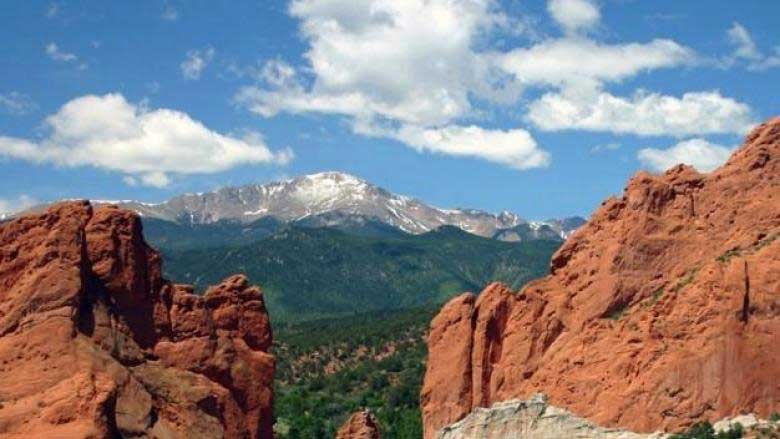 Pikes-Peak-and-Garden-of-the-Gods