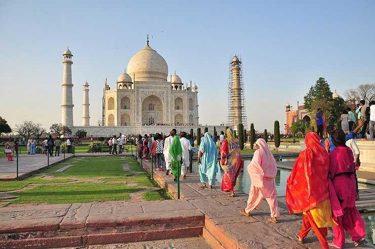 Les Hindous au Taj Mahal